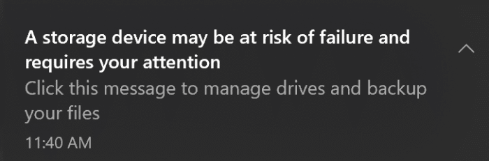 Un dispositivo de almacenamiento puede estar en riesgo de fallar y requiere su atención.